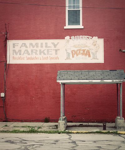 Family market sign