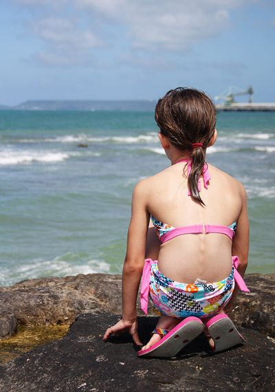 Ella rocks ukena beach